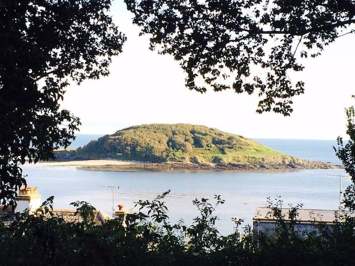 Looe apartment with sea view + easy free parking