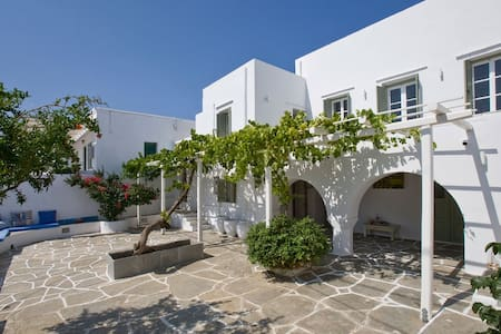 Family home in a picturesque village in Sifnos - Artemonas