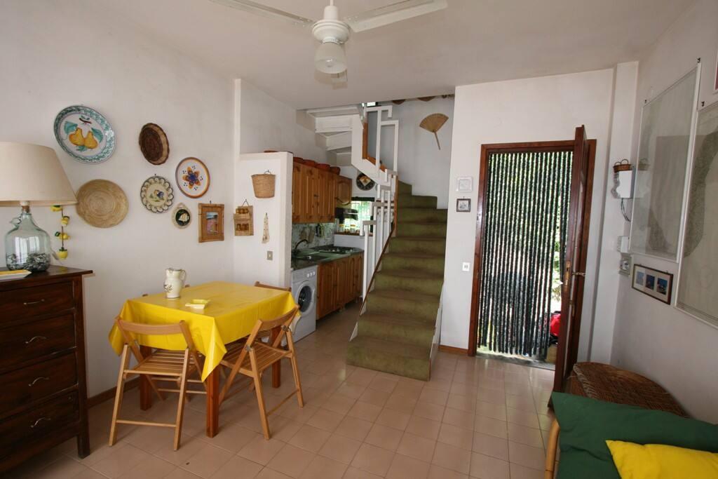 Salotto, cucina, ingresso