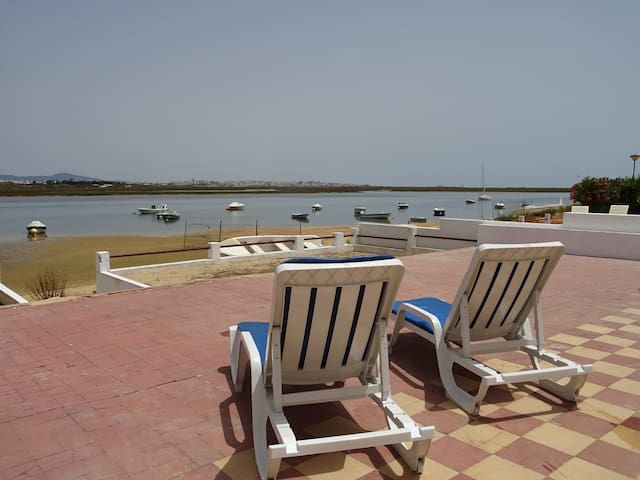 Faya House! Best Waterviews at Faro Beach!