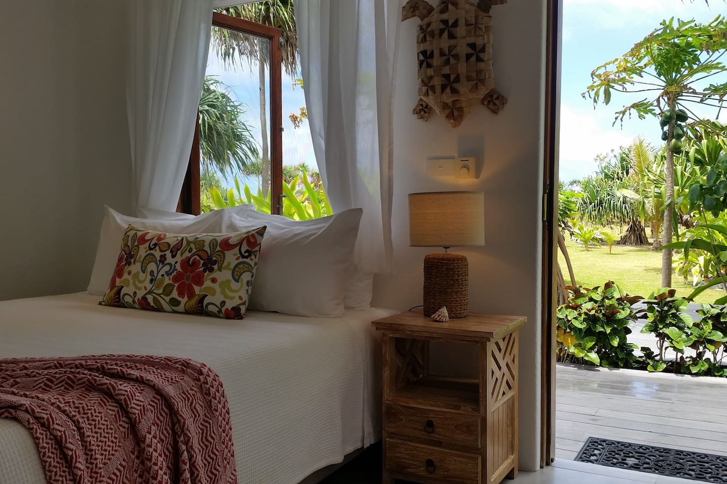 Beautiful Pandanus Room
