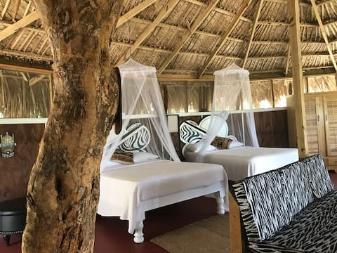Mandela Great Hut... A Natural Vibe with comfort.