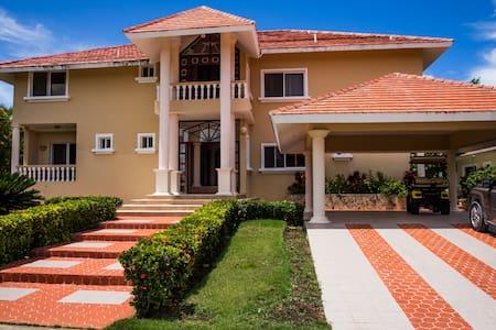 5 Bedroom Caribbean Golf Villa - Punta Cana