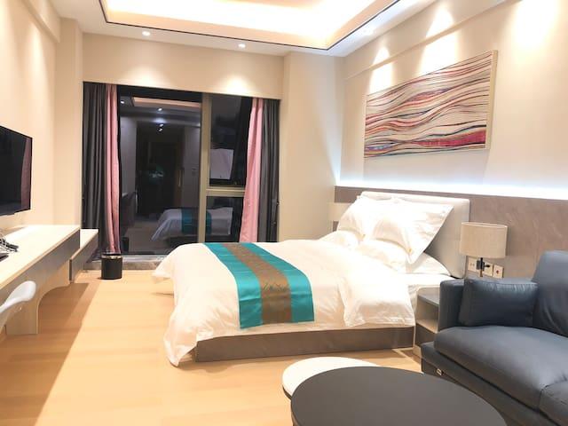 珠海拱北口岸与横琴口岸之间近长隆的高档酒店公寓