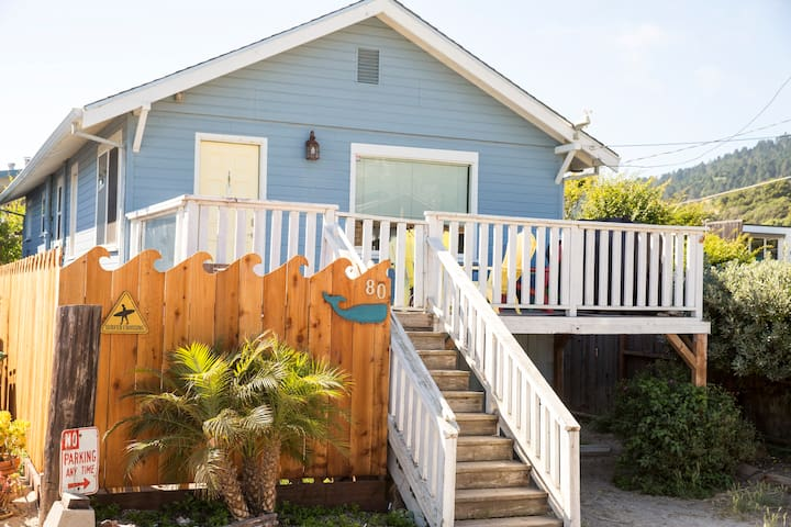 Dog Friendly Cottage with Ocean Views