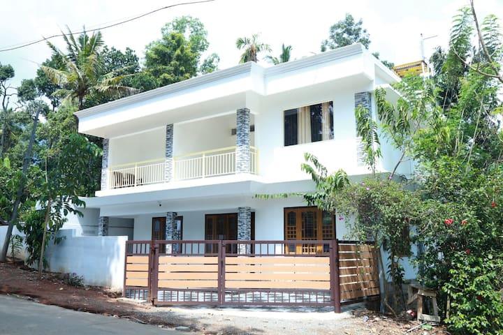 NAI MITHRA HOMES ( NEAT&CLEAN , CALM & QUIET)