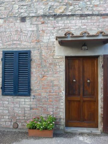 Accogliente appartamento per relax - Montepescini - Apartment