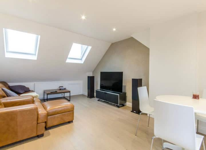 3 bed modern duplex flat near Mill Hill Broadway