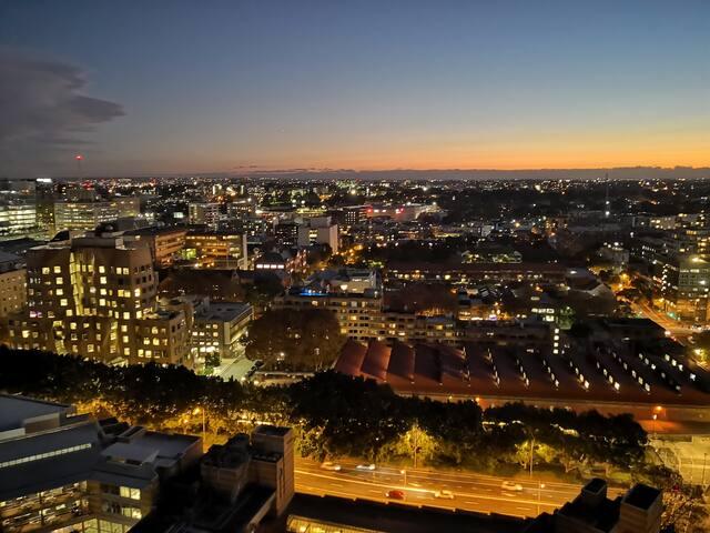 High Floor Sydney Central City View 5