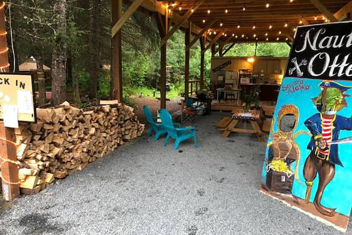 Alaska Bunk Yurt in Fairy Tale Forest Salmon Shack