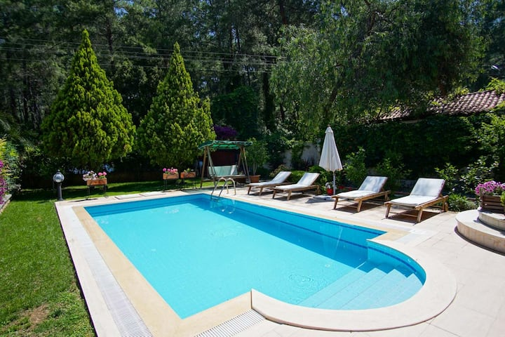 Private Pool Villa Next to Forest & Close to Town