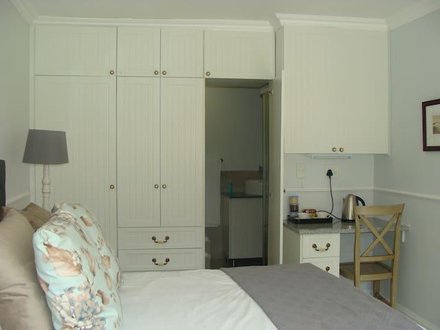 Galnar Residential Suite 4