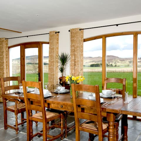 A perfect rural hideaway in the heart of Scotland! - Bridge of Cally - บ้าน