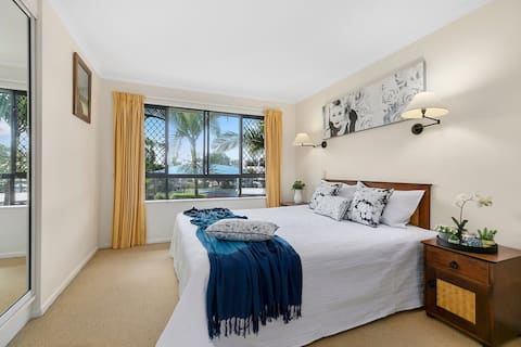 Immaculate 1 Bed Resort Apartment by Noosa River