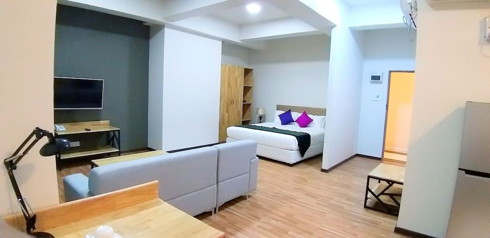 Studio Suite apartment, prime location B2