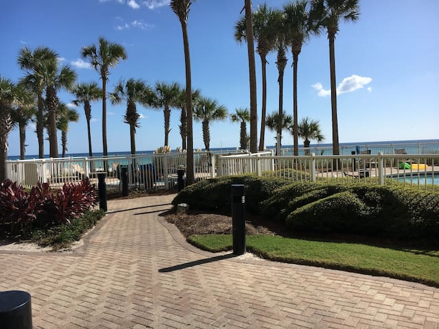 Beachfront #103 ~ 1st-FLOOR WALKOUT, Pet-friendly!