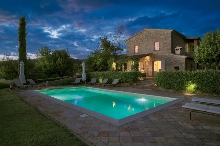 Luxury farmhouse in the beautiful Niccone Valley