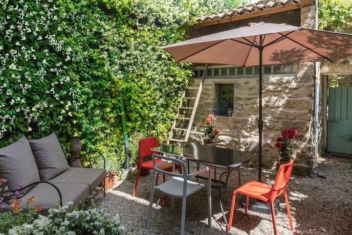 Appartement de charme avec jardin au coeur d'Uzès