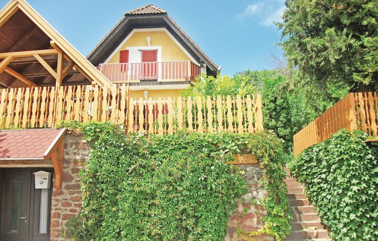 Holiday cottage with 3 bedrooms on 55m² in Szigliget