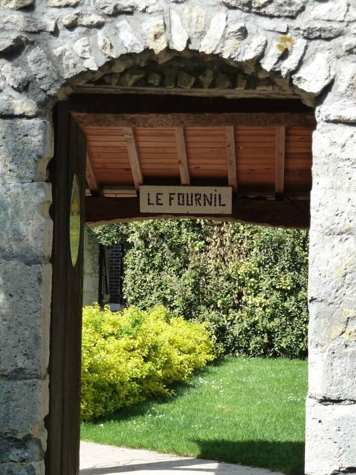 """Gîte à la ferme 6 personnes, piscine. """"Le Fournil"""""""