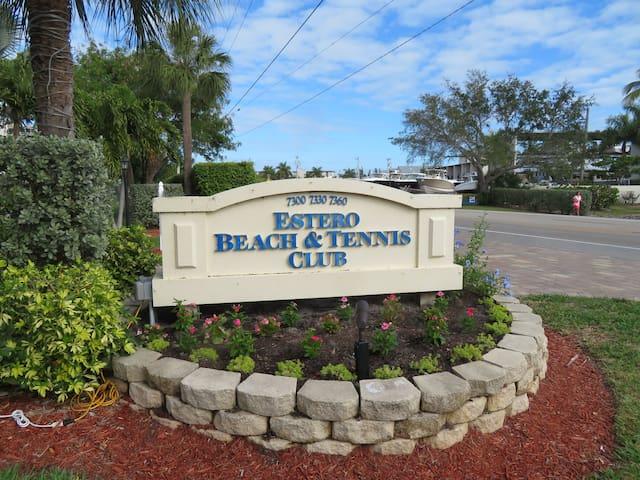 Beautiful Condo on Fort Myers Beach!