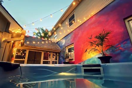 Hot Tub Oasis Hideaway w/ 2 Bed + Large Patio+yard