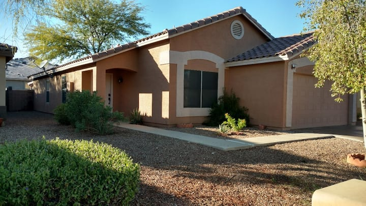 Casa Grande Home Enjoy the weather on the patio
