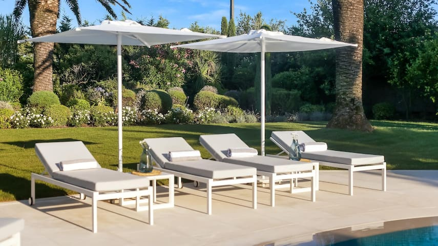 Villa Myra : magnificent tropical 300m² villa near Saint Tropez