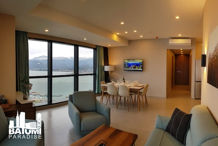 Beachfront Two-Bedroom with a Panoramic View