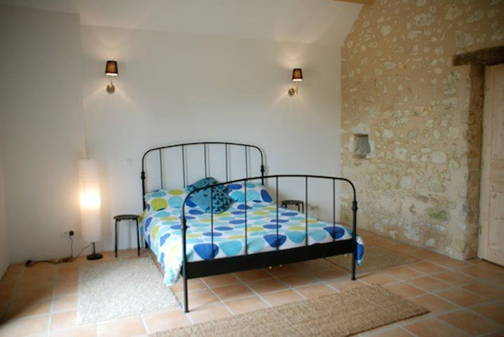 Master bedroom - king size bed with lots of space