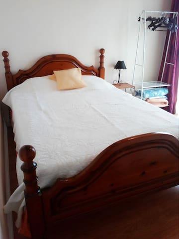 chambre chez l'habitant ( pour 1 à 3 personnes )