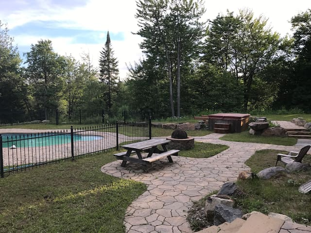 ChaletsOasis with Private in ground pool