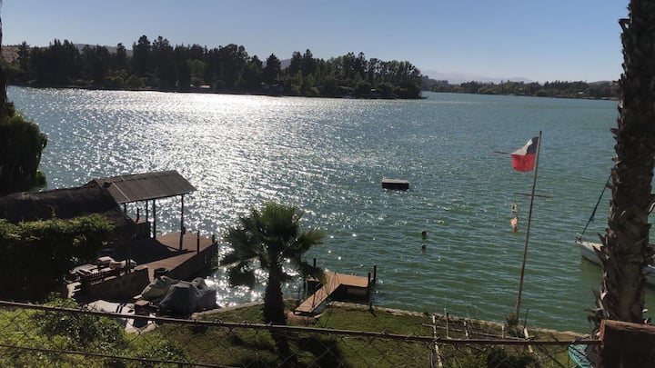 Oasis de Costa del Sol , Lago Rapel
