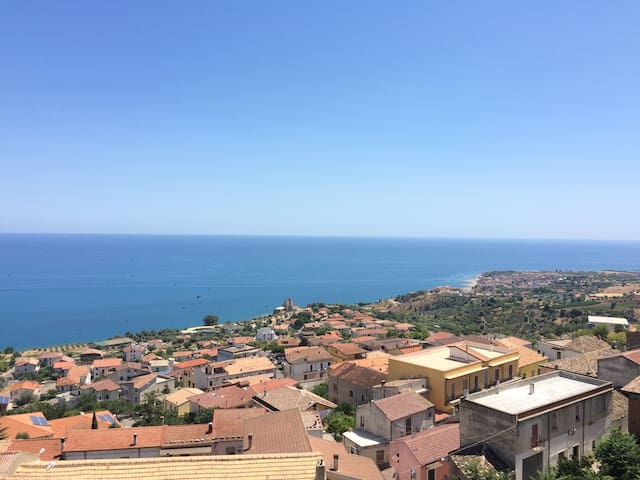 Historic luxury apartment with panoramic view - Roseto Capo Spulico - Osakehuoneisto