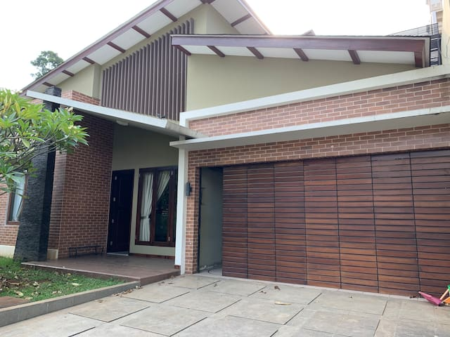 House in ANTASARI, Center of South Jakarta, 3BR
