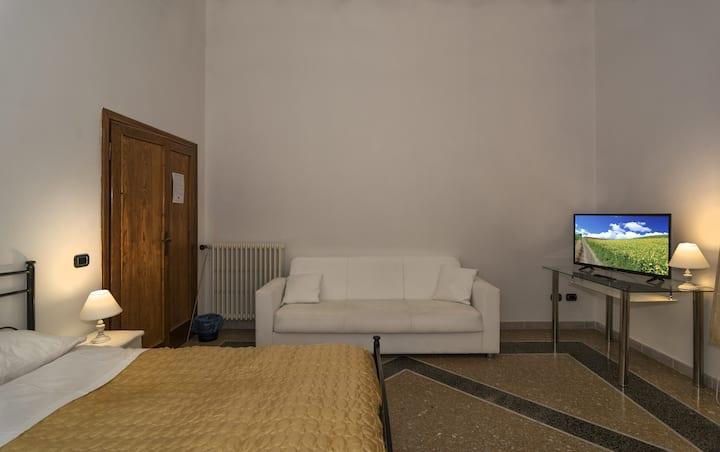 Holiday Pisa Gare B&B - Triple Room