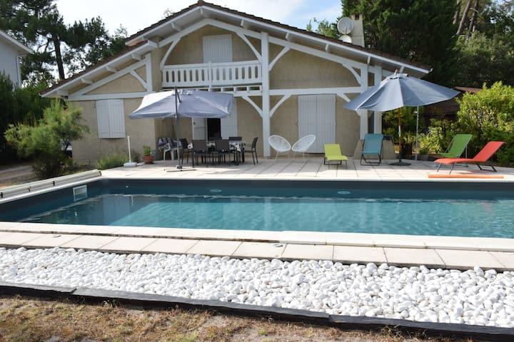 """Villa """"type Landaise"""" récemment rénovée."""