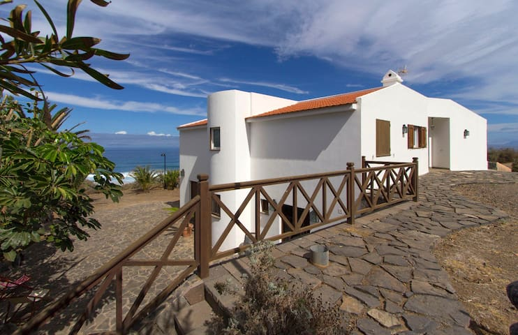 House by the sea in Garachico, Tenerife - Las Cruces