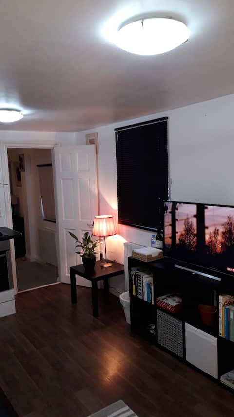 Cosy London holiday Home (Close to O2 Arena )