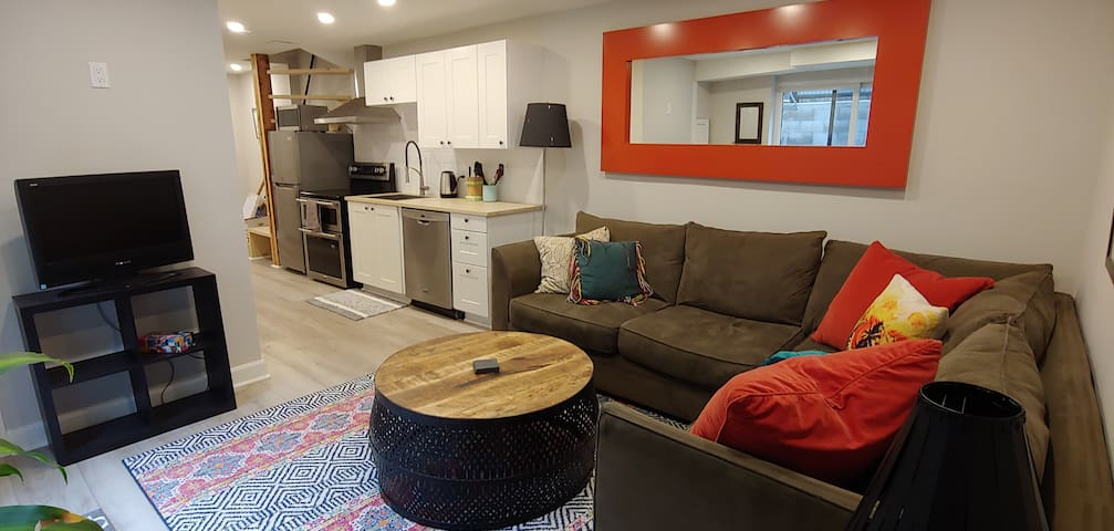 Bright, Trendy JUNCTION Apartment w/Free Parking