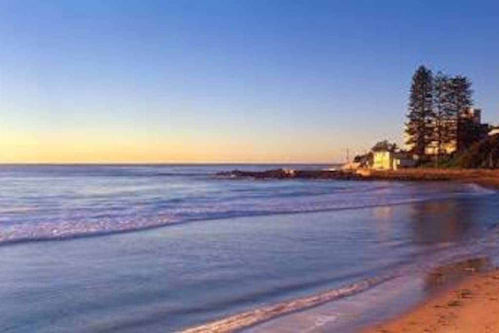 Walking distance to beautiful Dee Why beach