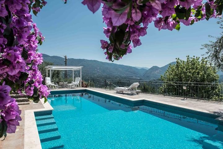 La Fonte Su, Luxury House . A heaven near Rome.