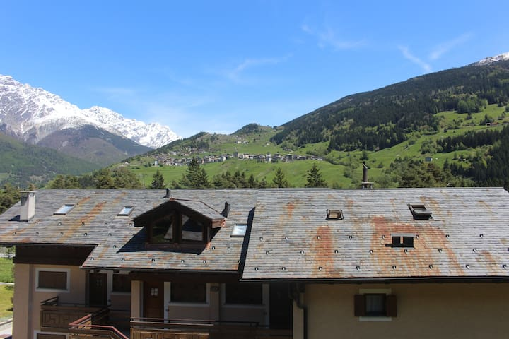 Cozy and spacious house by the mountains - Valdisotto - Leilighet