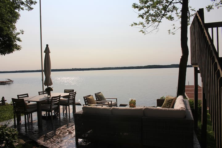 Waterfront Cottage on Cameron Lake! - Kawartha Lakes - Kabin