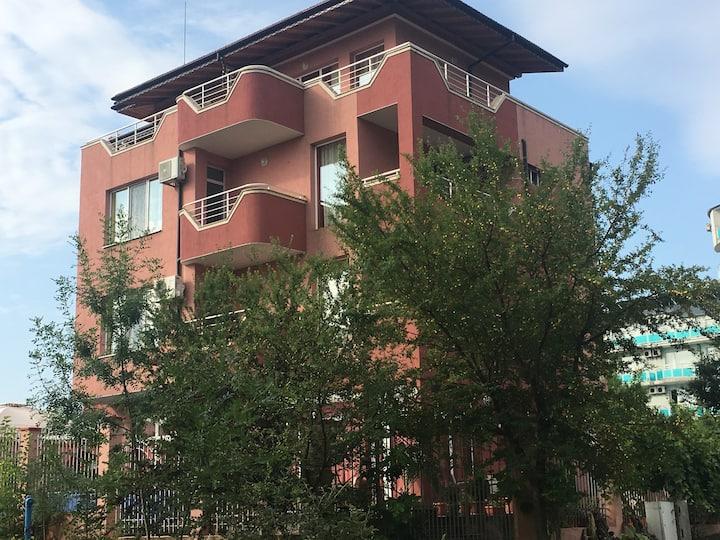 Къща за гости Свети Кирил Лозенец