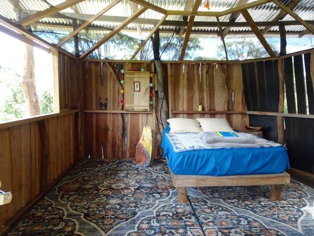 Vista Del Rio: nature cabin at La Finca Azul