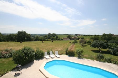 Babeau 6 bedroom country house, private pool - Dieulivol