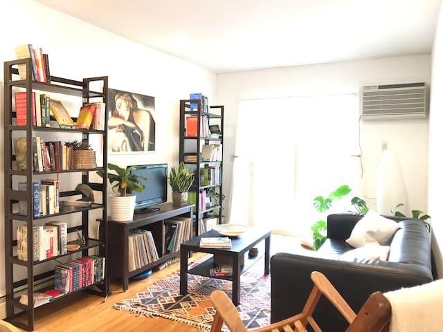 Private room w/ bathroom near Prospect Park