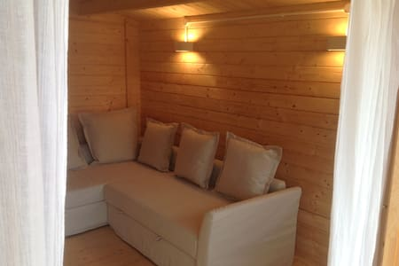 Cosy Log Cabin - Barking