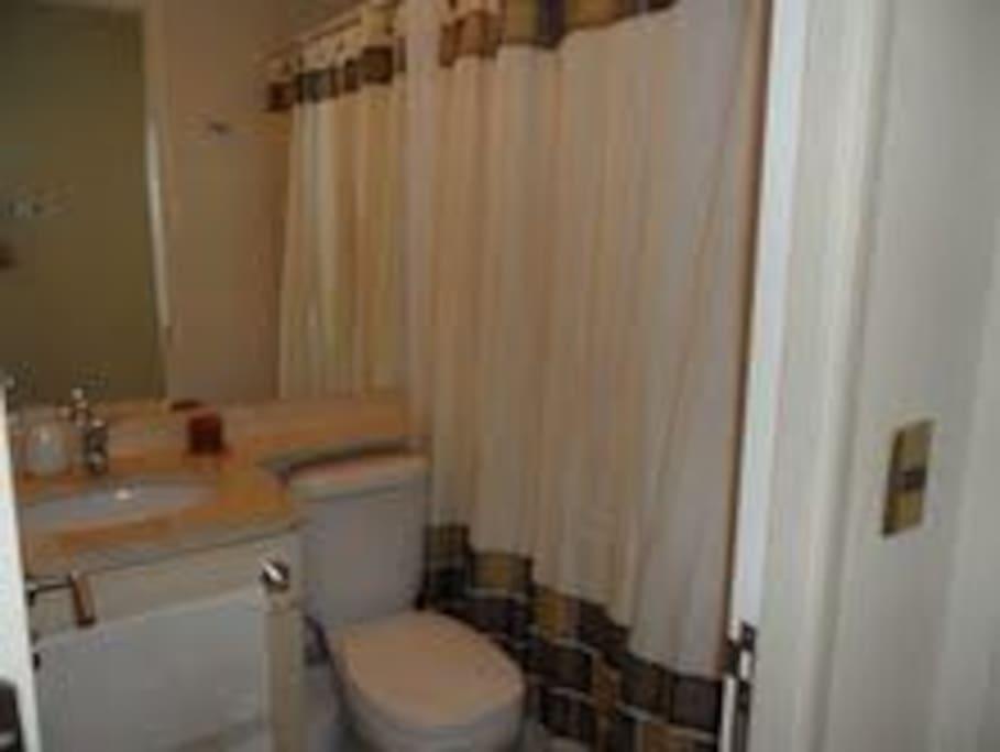 1 de 2 baños